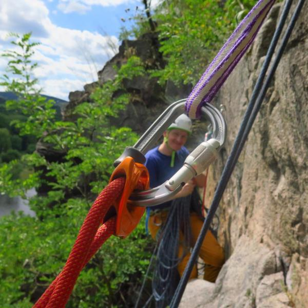 Lezecký kurz TŘI (chci začít s lezením venku)